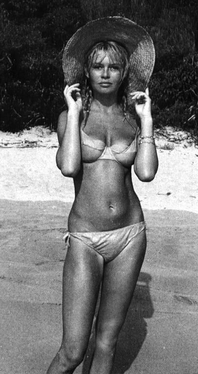 bardot_bikini_1